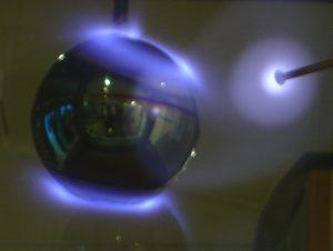 aurora_borealis_in_a_lab_dsc04517